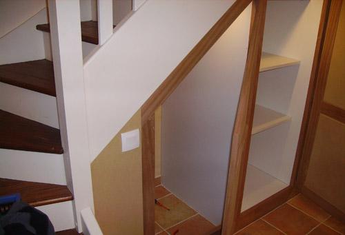 Repeindre du lambris vernis sans poncer id e inspirante pour la conception de la for Quelle couleur pour mon escalier en bois