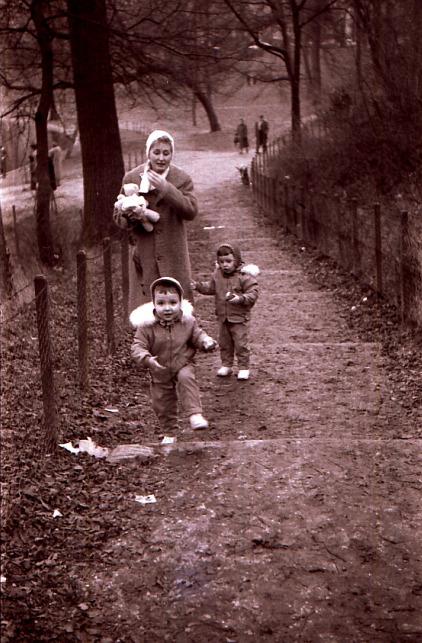 1958 dans Le jardin des souvenirs image311