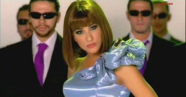 كليب نجوى كرم اغنية ايدك 2009