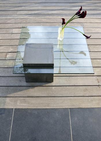 Table basse unique b ton et verre for Deco moderne forum